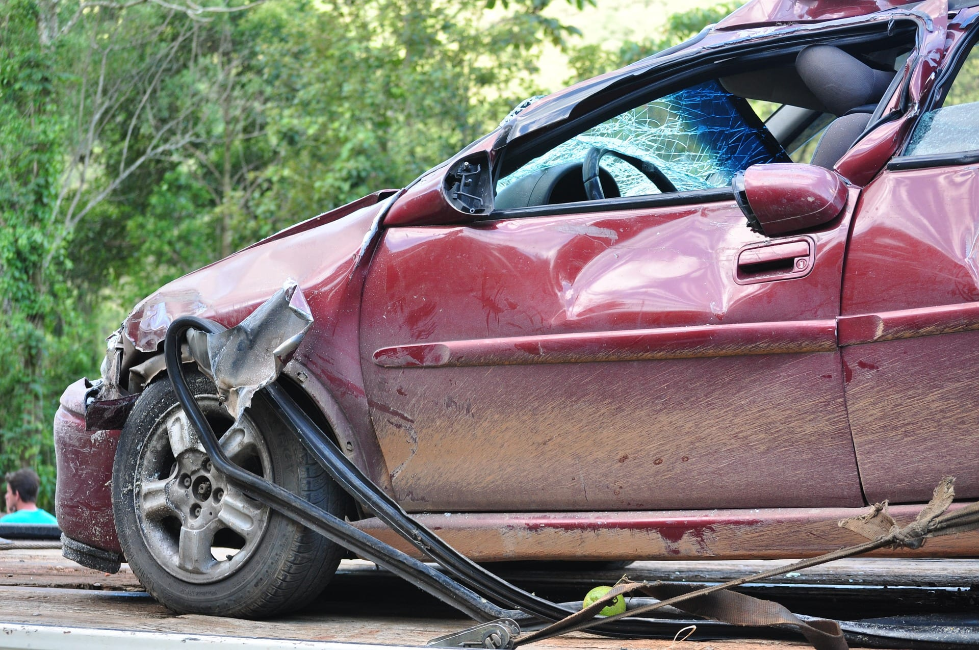 A damaged vehicle. Drunk driving accidents in Tennessee account for 31% of all fatal traffic crashes